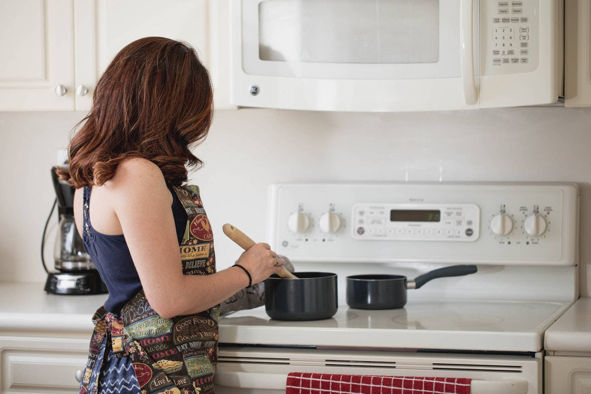 Four Steps to Increase Cooking in Your Apartment Kitchen