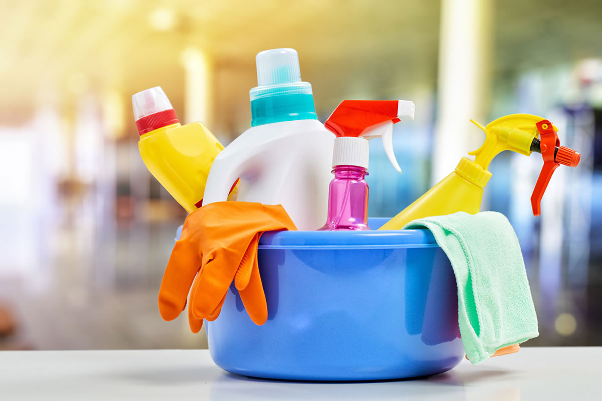 How to Reduce Your Use of Chemicals when Cleaning Your Apartment