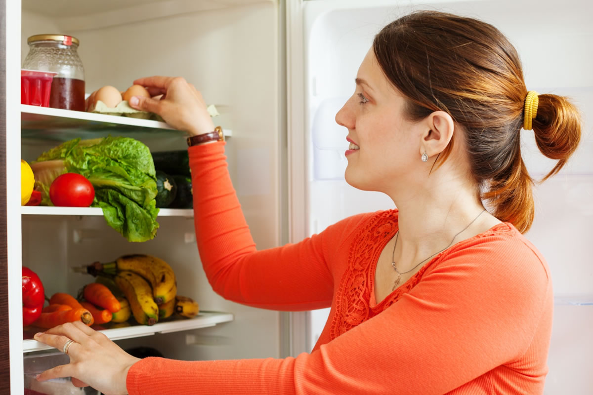 Six Tips to Keep Your Apartment Refrigerator Organized