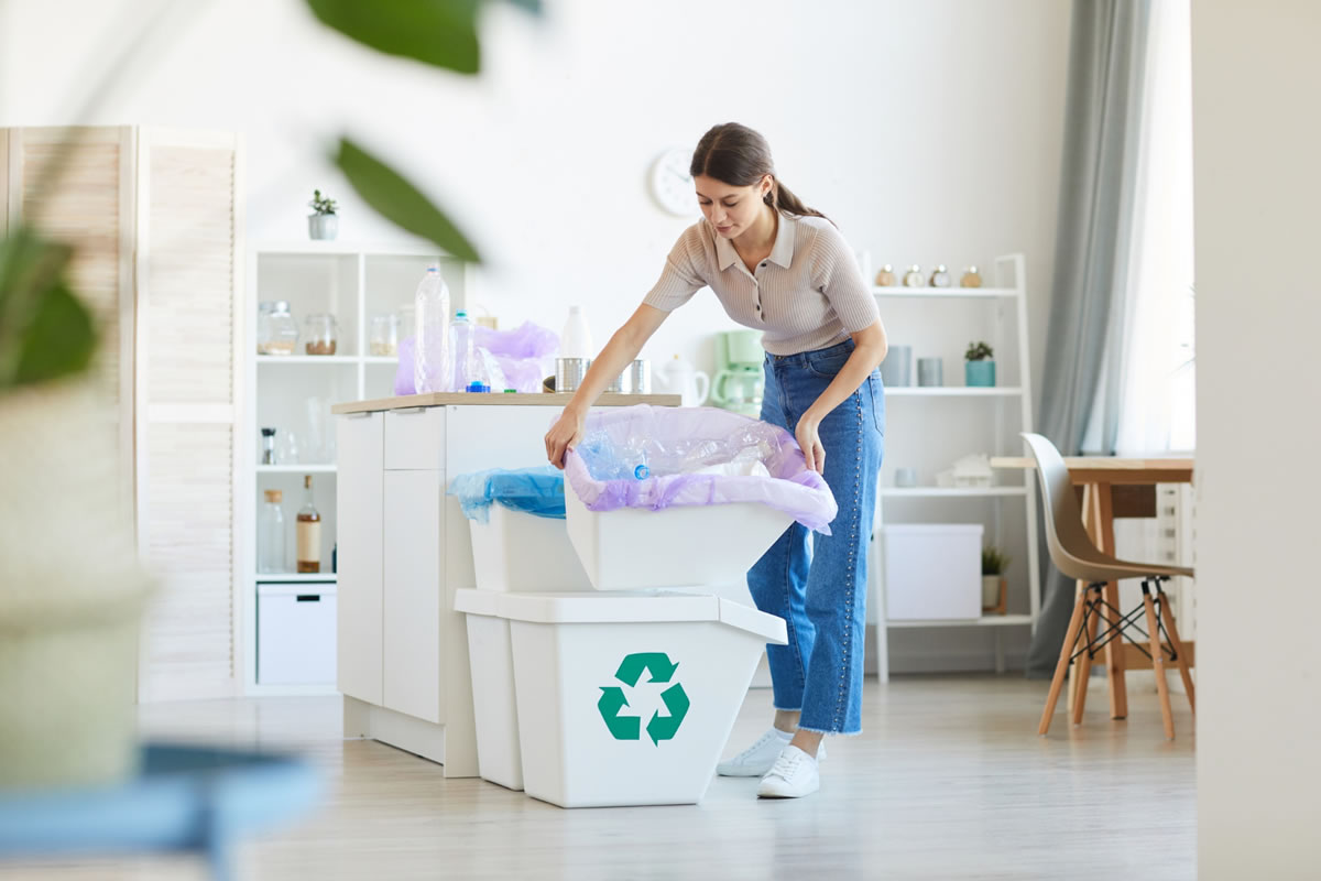 Five Tips to Properly Sort Your Recycled Materials in Your Apartment